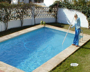 Manually Vacuum Swimming Pool