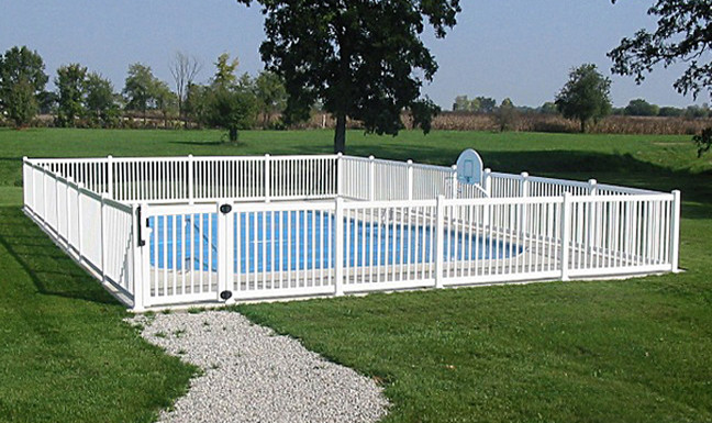 Which Swimming Pool Fence Should You Choose For Safety And ...
