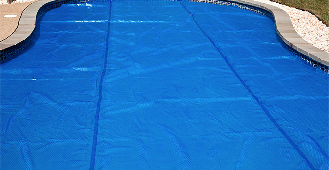 What You Should Know About A Swimming Pool Solar Cover